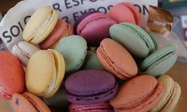 pastries-921127_640