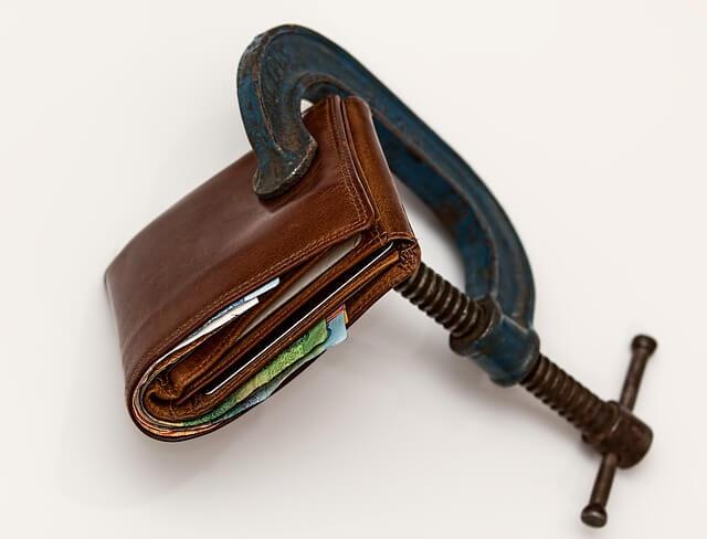 Restrain wallet