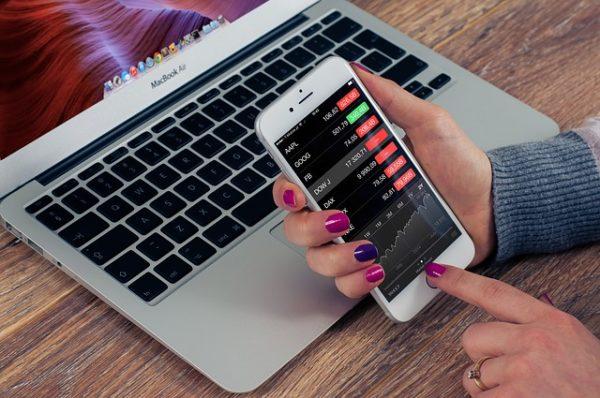 monitoring the stock market through mobile application